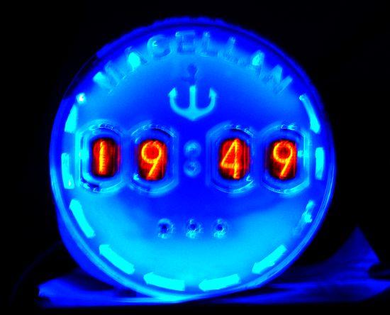 Теплые ламповые часы (The warm