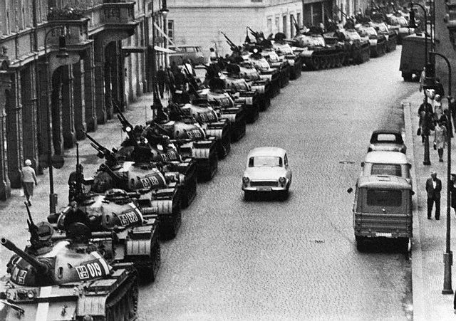 28 Aug 1968, Prague, Czechoslovakia --- 8/28/1968-Prague, Czechoslovakia-: Soviet tanks line Atlstaedter-Ring Street in Prague early August 28th.  Reports August 27th indicated most Warsaw Pact forces had moved out of Prague proper. --- Image by © Bettmann/CORBIS